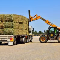 Stacking Bales the Ezy Way